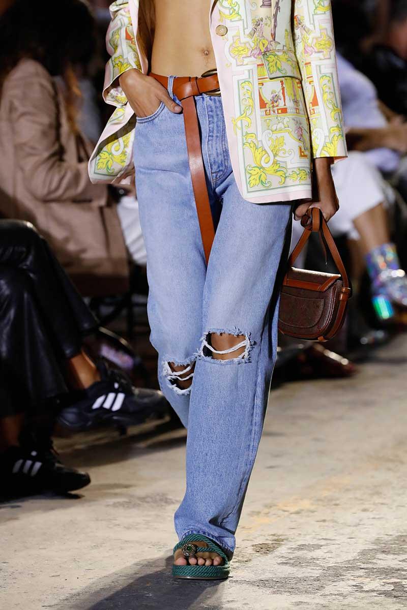 Spijkerbroeken trends 2021. 3x Coole spijkerbroeken voor voorjaar 2021