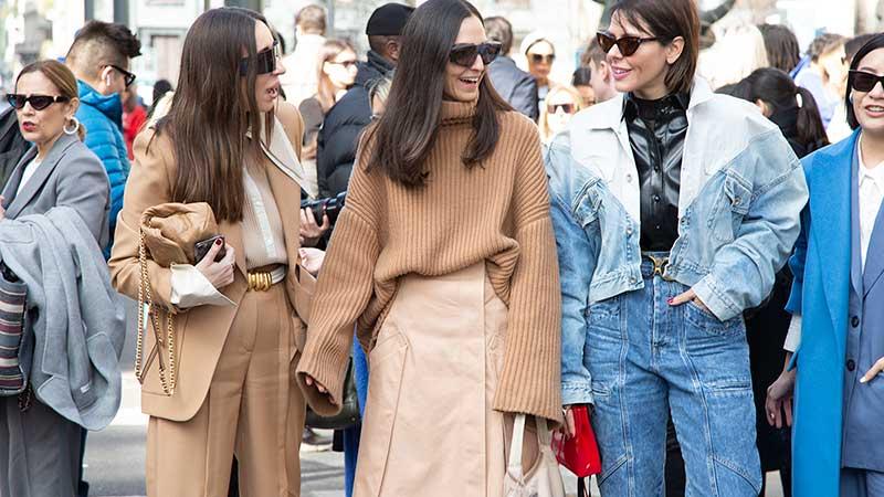Modetrends herfst winter 2020 2021. 9x Kledingstukken die uit de mode zijn