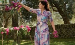 Modetrends lente zomer 2021. Romantische jurken voor alle leeftijden. Vier de lente!