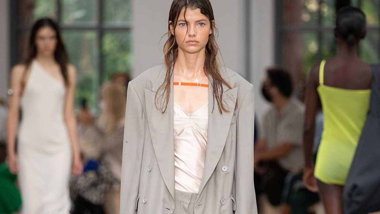 Modetrends 2021. 9x Mode must-haves voor het nieuwe zomerseizoen
