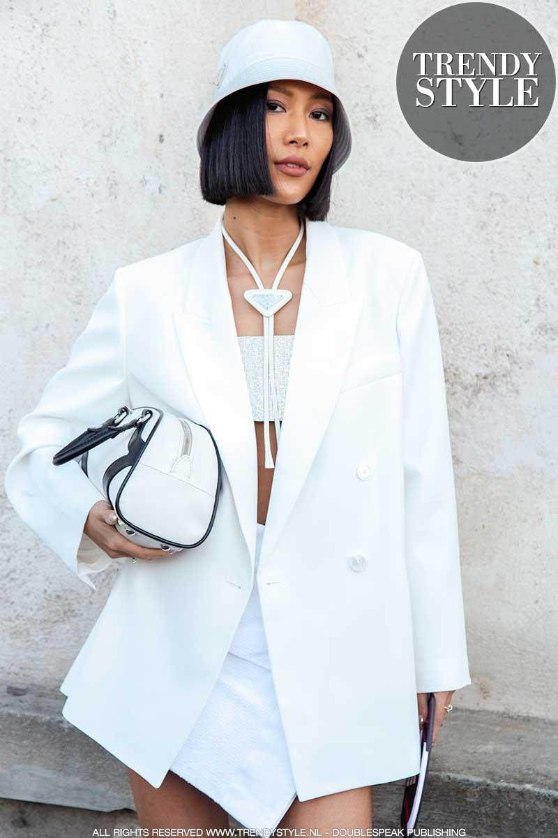 Modetrends lente zomer 2020. Breed geschouderde colberts