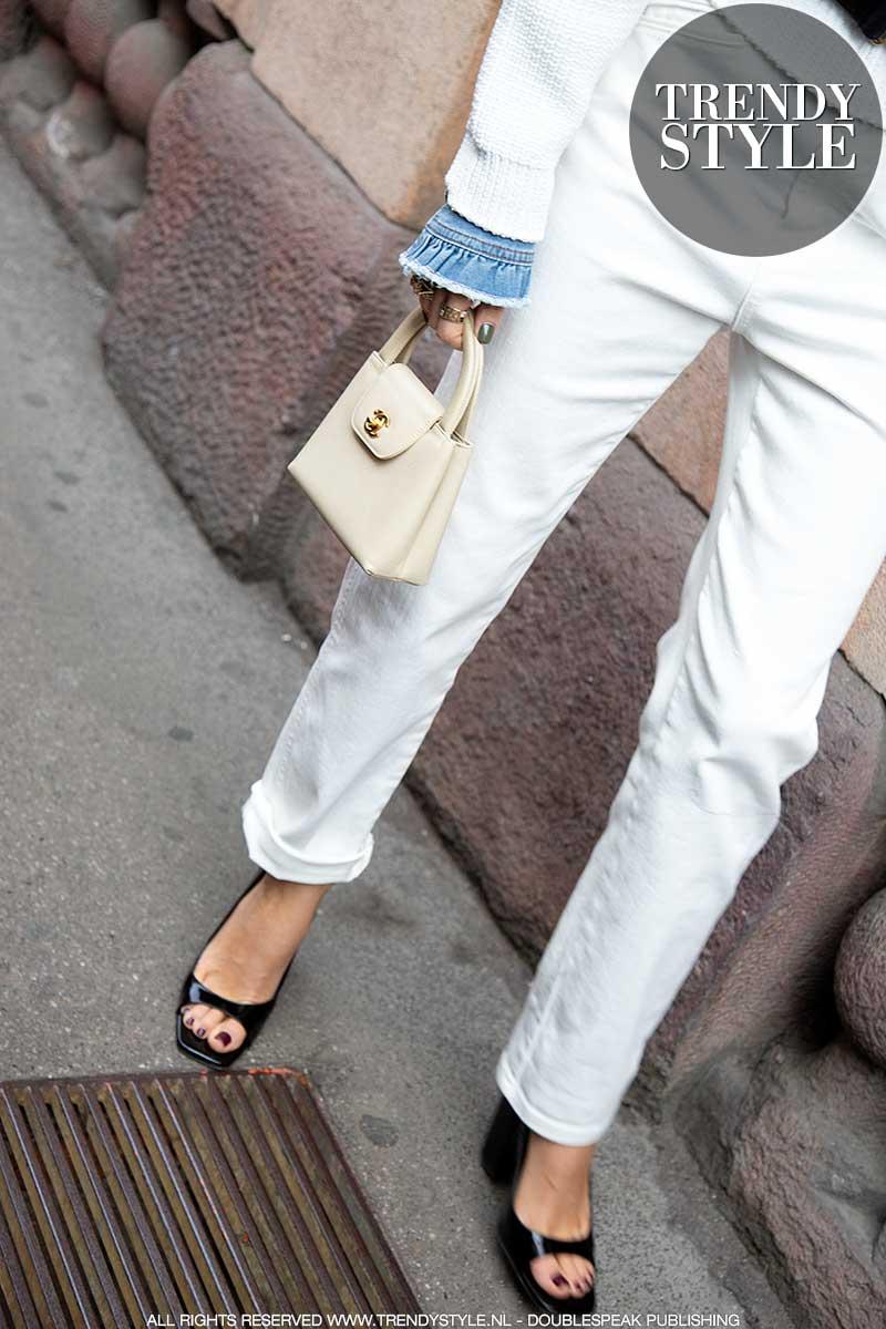 Modetrends 2020. Jaren '80 spijkerbroeken zijn hot