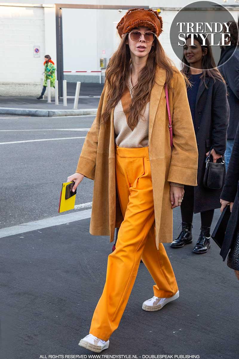 Streetstyle mode 2021. Modekleuren en kleuren combineren