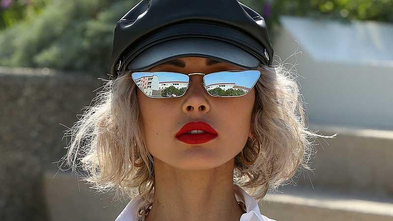 Streetstyle mode zomer 2020. Hoe cool kun je zijn? 10 Mode- en beauty trends