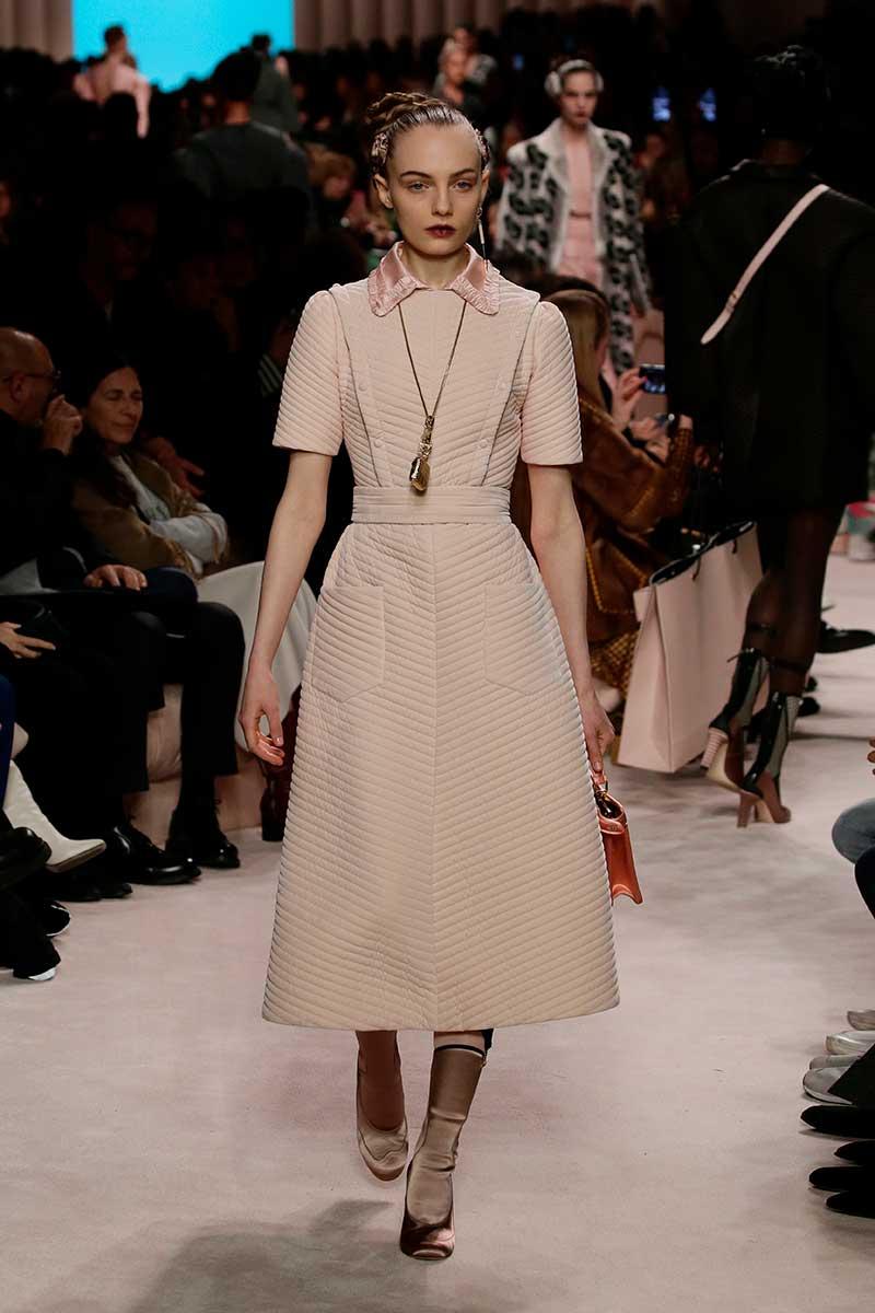Modetrends herfst winter 2020 2021. Lange jurken