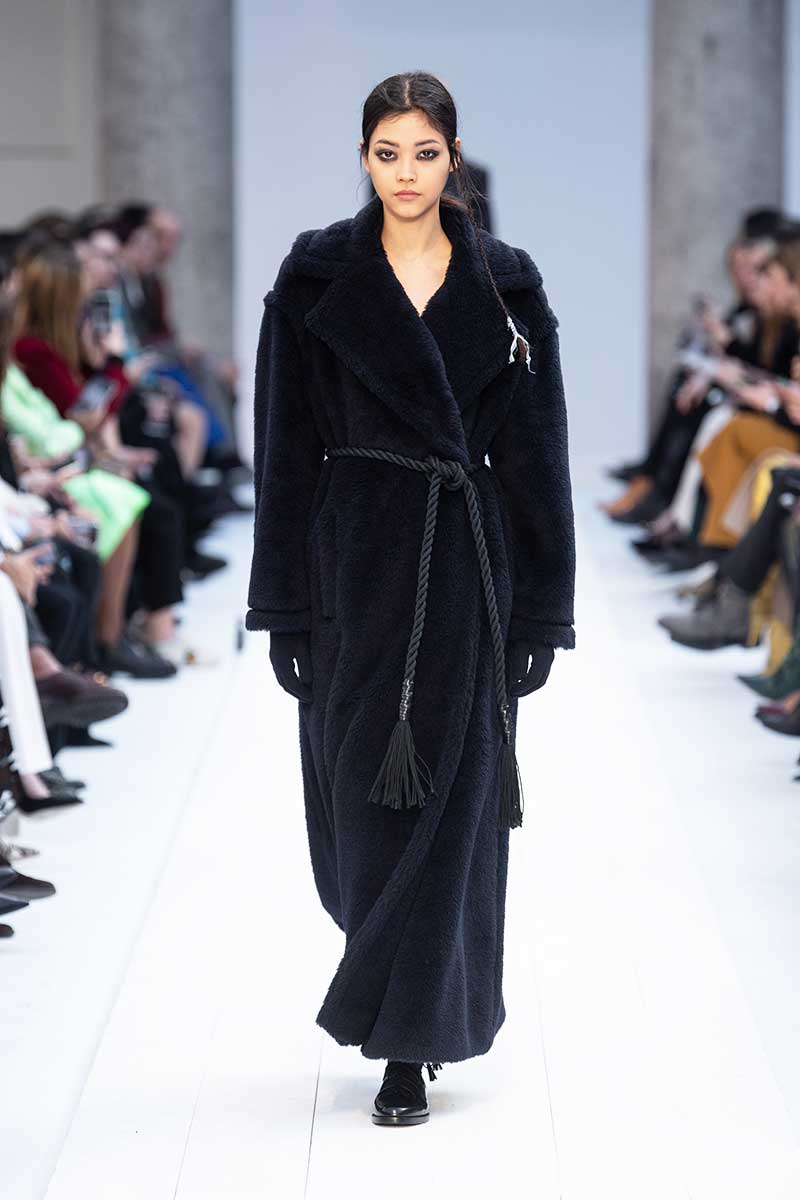 Modetrends 2021. Dusterjassen, hoodies, joggingbroeken. Dit zijn de hotste loungewear trends