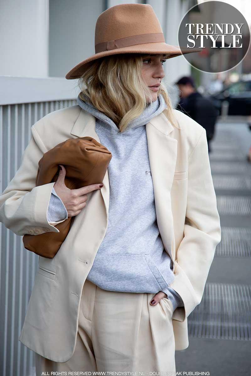 Modetrends voorjaar 2020. Tassentrends en nagellak