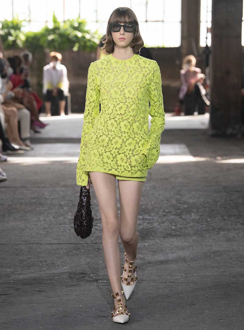 Modetrends lente zomer 2021. Broderie, kant. Jurken. Romantisch, hippie, chic