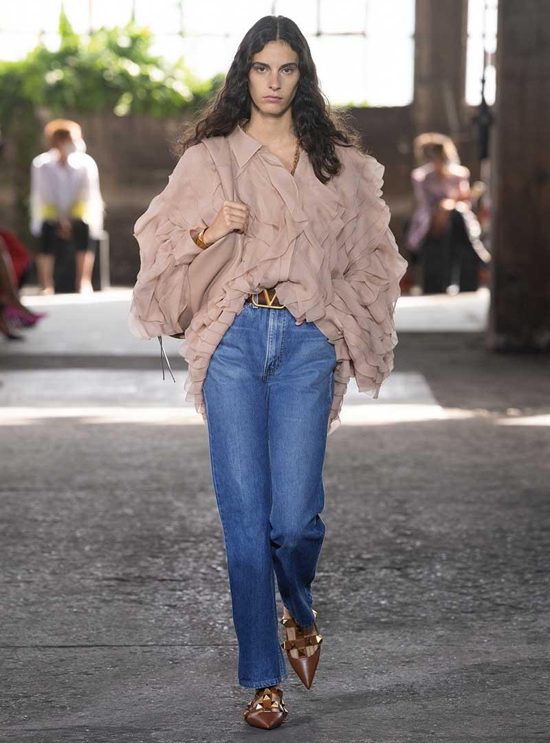 Modetrends lente zomer 2021. 3x Waanzinnig coole spijkerbroeken looks