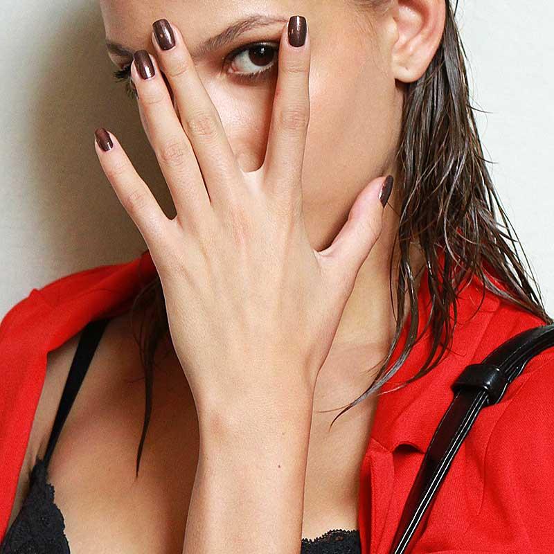 Bronskleurige nagellak
