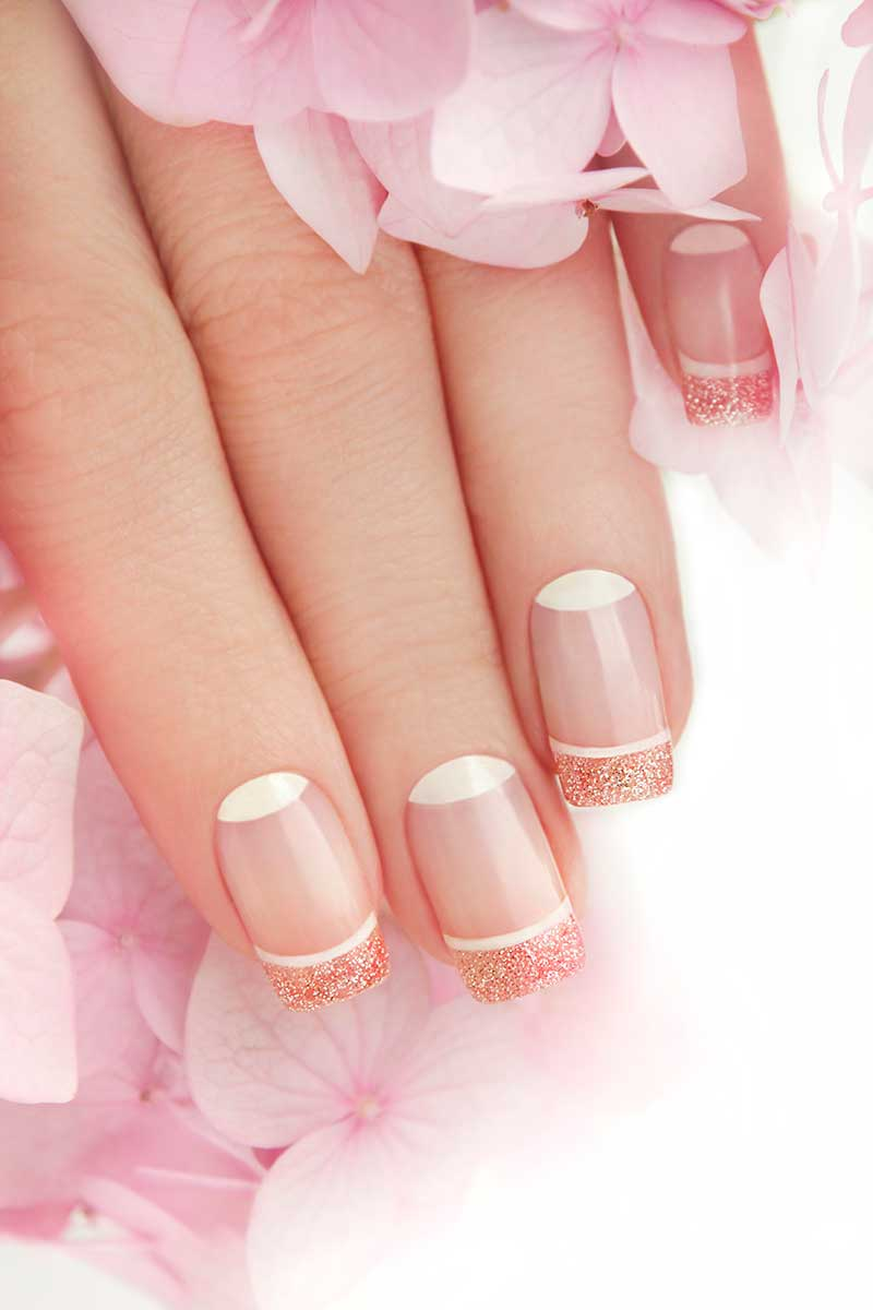 Nageltrends 2021. French Moonlight Manicure