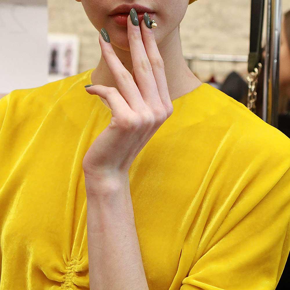 Nail art met juweel