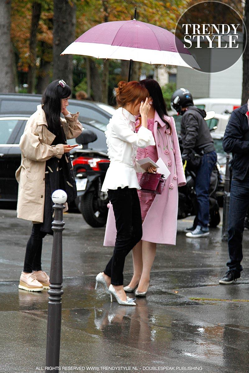 paris-fashion-week-zomer-2016-regen-03