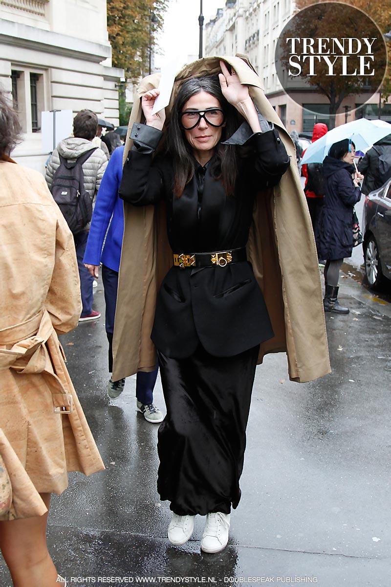 paris-fashion-week-zomer-2016-regen-04
