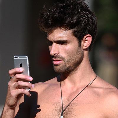 Mannen en selfies
