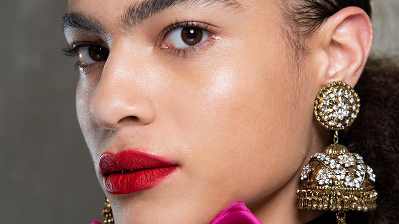 Make-up trends lente zomer 2019. Rode lippenstift