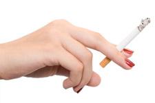 Knappen mannen af op rokende vrouwen?