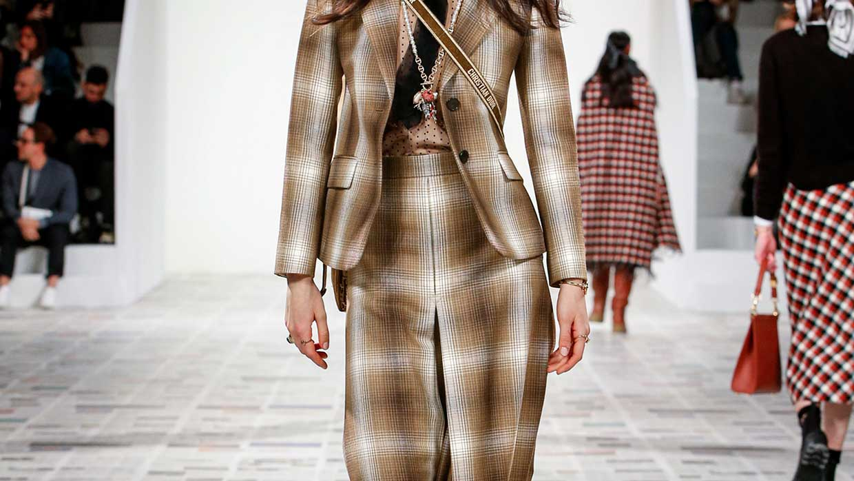 Modetrends winter 2020 2021. Hip in ruitenbroek. Onze stijltips