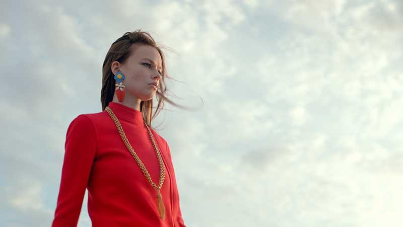 Modetrends lente zomer 2021. Wegdromen bij de schitterende Saint Laurent collectie