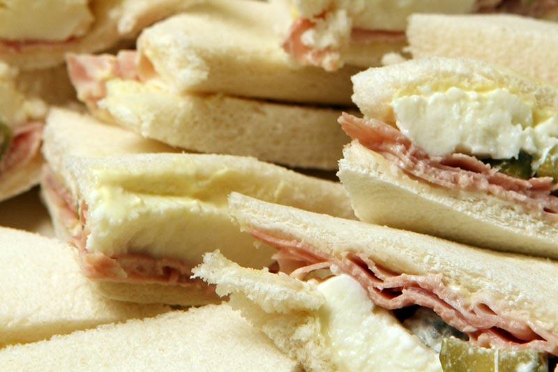 Italiaanse tramezzini. Mini sandwiches