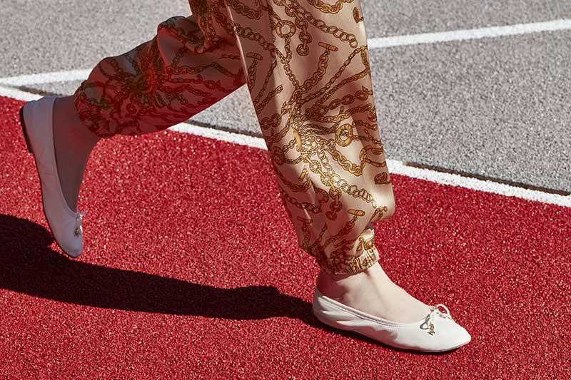 Schoenentrends lente zomer 2021. Deze schoenen kun je nu al aan! Photo: courtesy of Celine