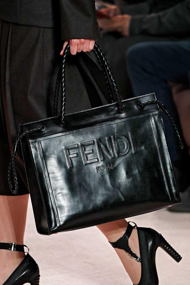 Schoenen trends herfst winter 2020. Modeshow: Fendi. Photo: courtesy of Fendi