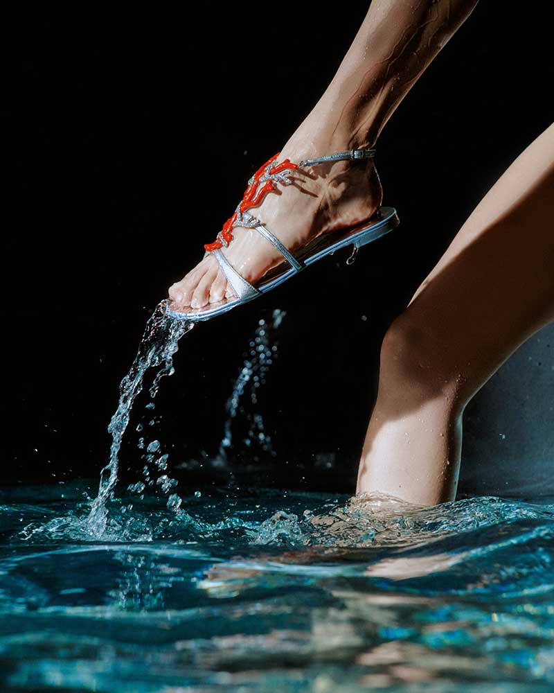 Sandalentrend 2021. Koralen en vissen aan je voeten