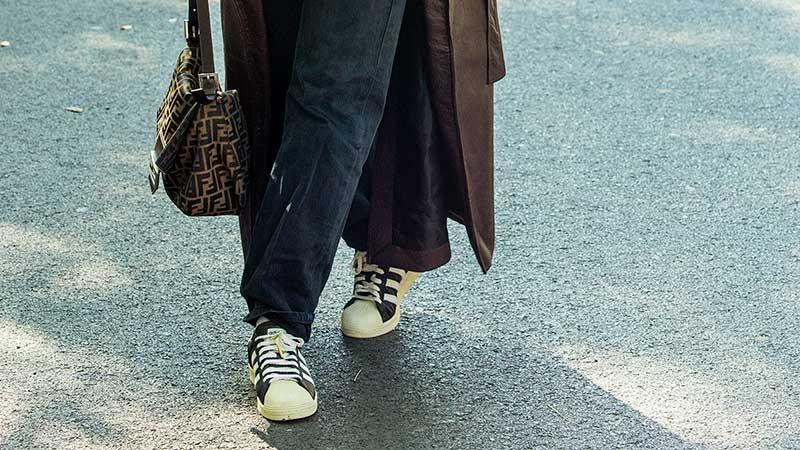Sneakers fan? Dit zijn de trends voor lente zomer 2021