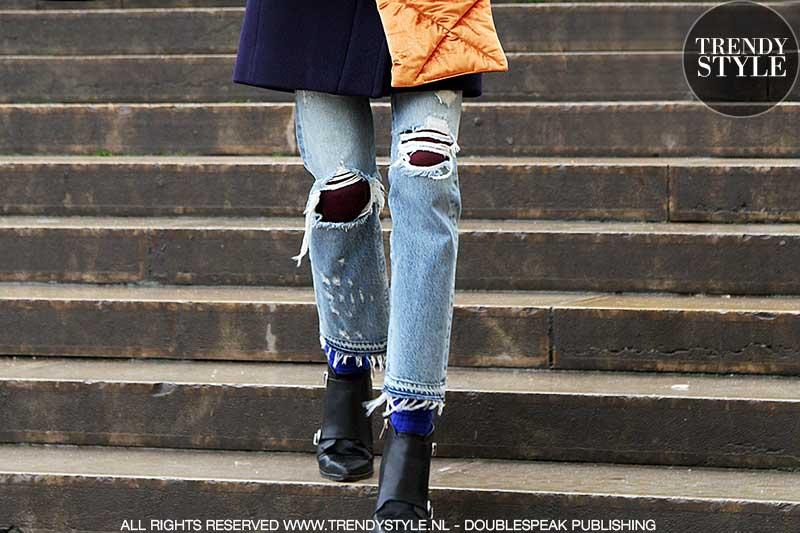 Spijkerbroek met gaten