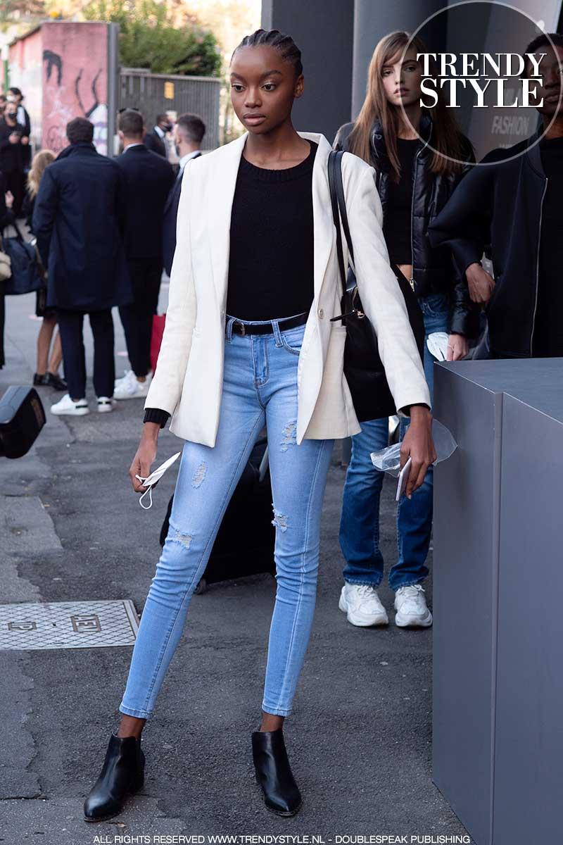 Modetrends 2021. Spijkerbroeken voor elke leeftijd: 20, 30, 40 en 50 (plus)