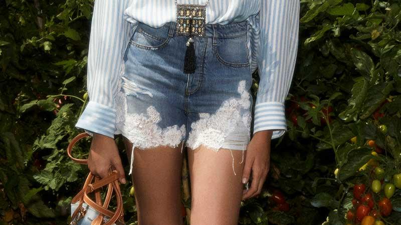 Jeans trends 2020 2021. Spijkerbroeken en spijkershorts