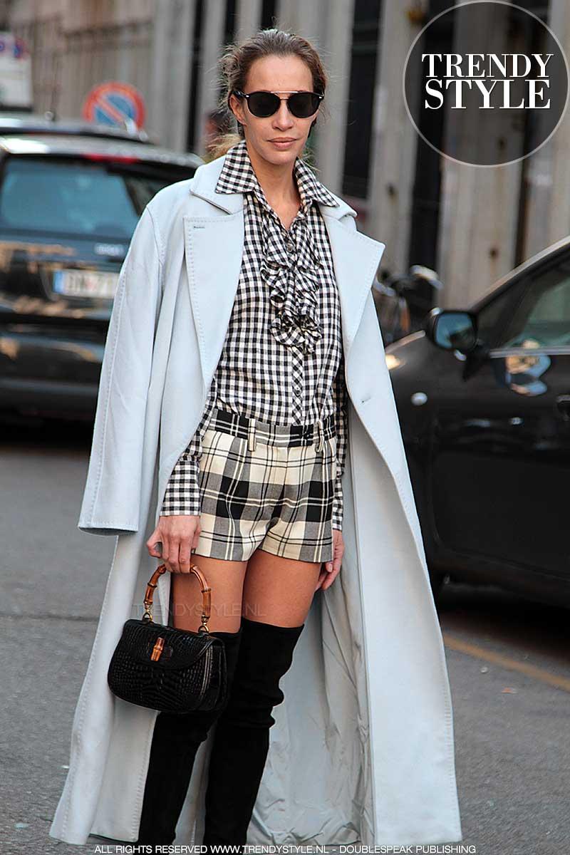Street style mode. Hoge laarzen