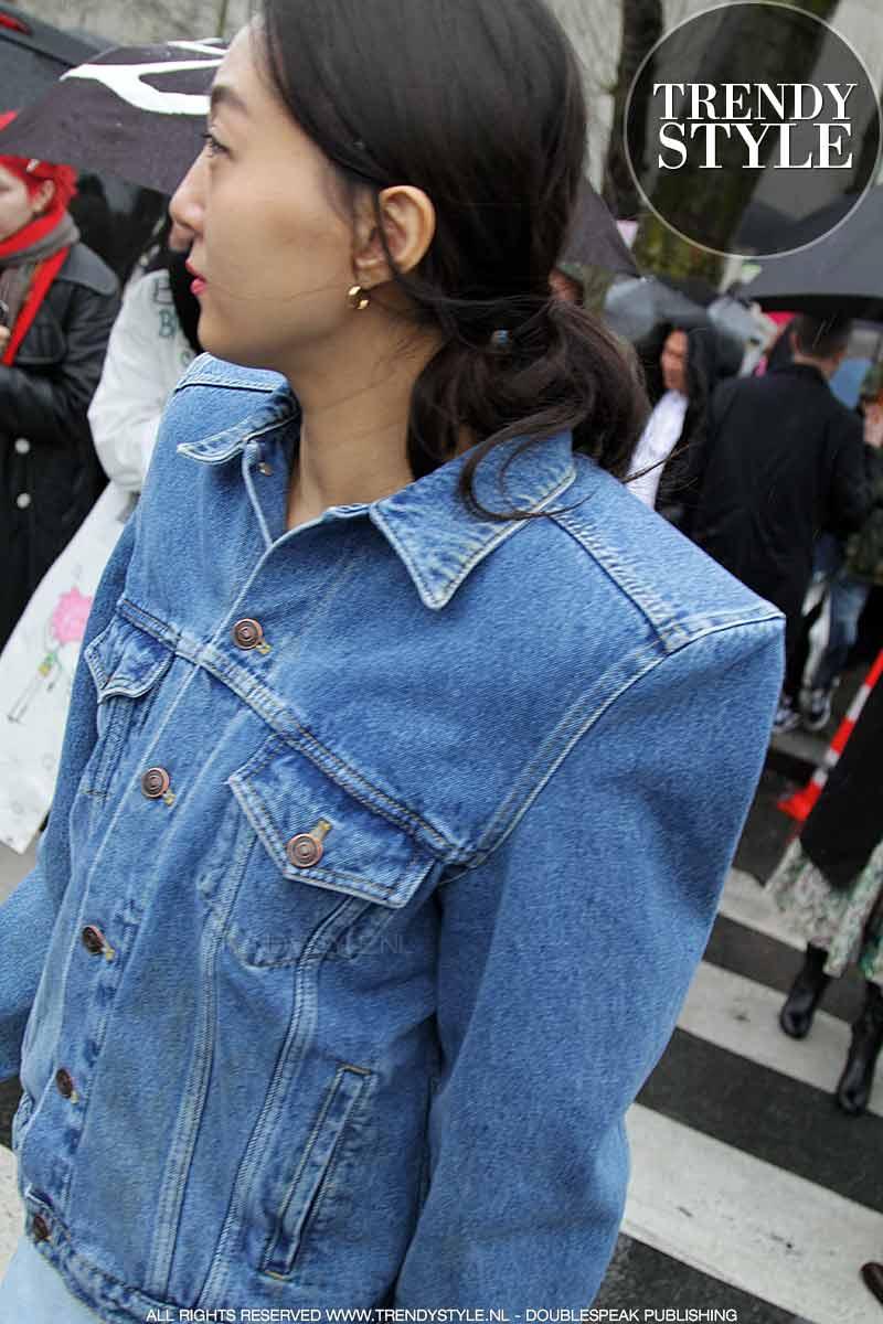 Streetstyle big shoulder trend