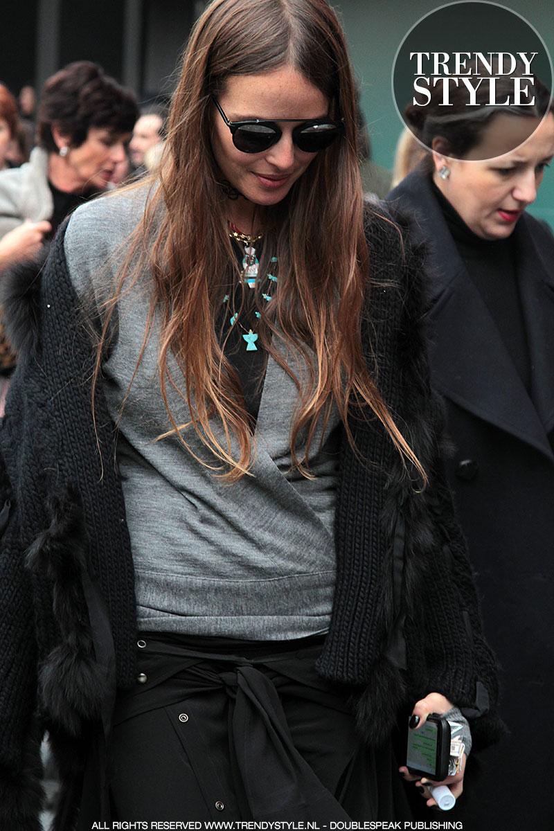 Total black fashion look