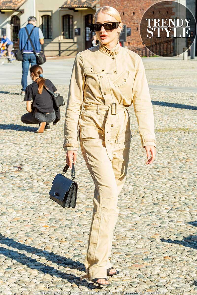Streetstyle mode 2021. Check je garderobe op deze trendy klassiekers!