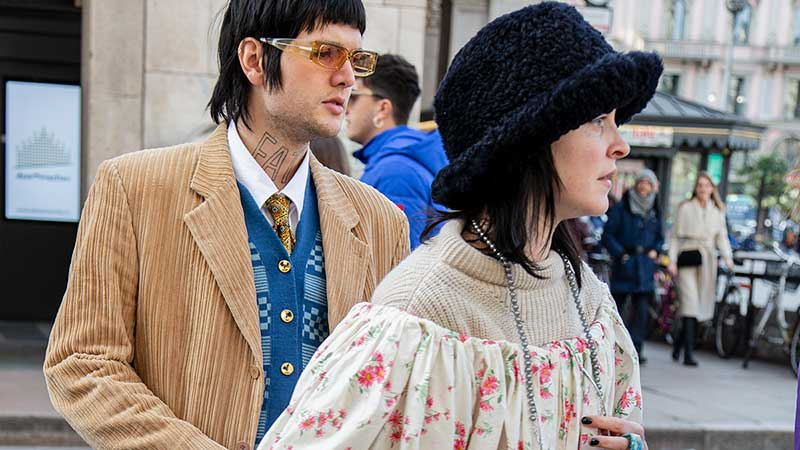 Streetstyle mode 2020. Regenachtige zomer? Draag die lange jurk