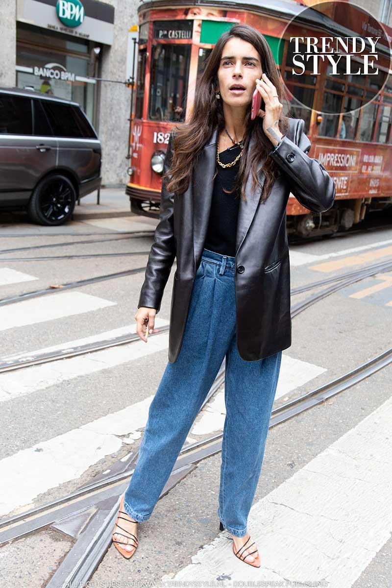 Streetstyle mode voorjaar 2020. Spijkerbroeken