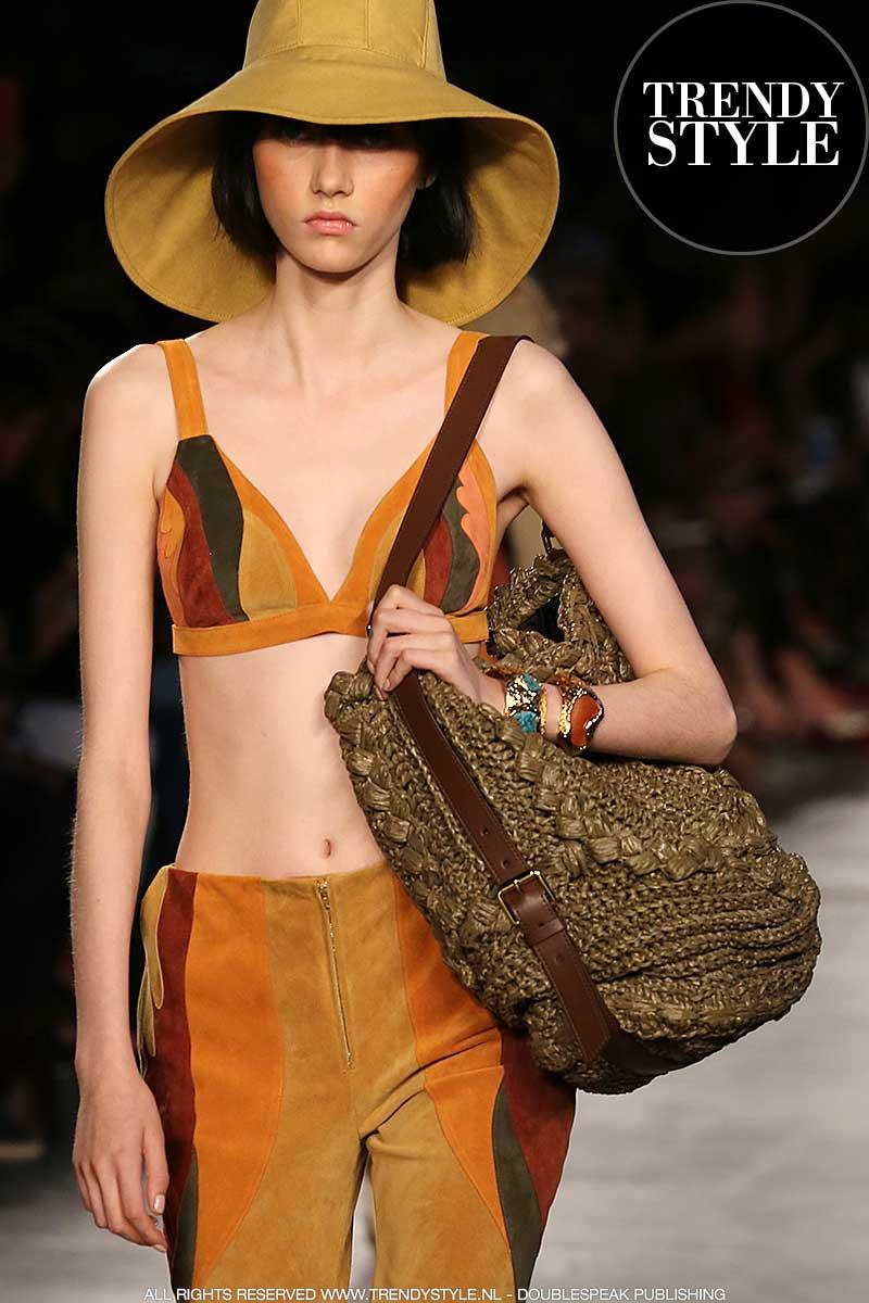 Tassentrends lente zomer 2020. Gehaakte tassen: van boodschappen tas tot haute couture