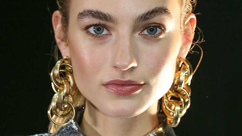Make-up trends winter 2020 2021. Statement wenkbrauwen maken je look