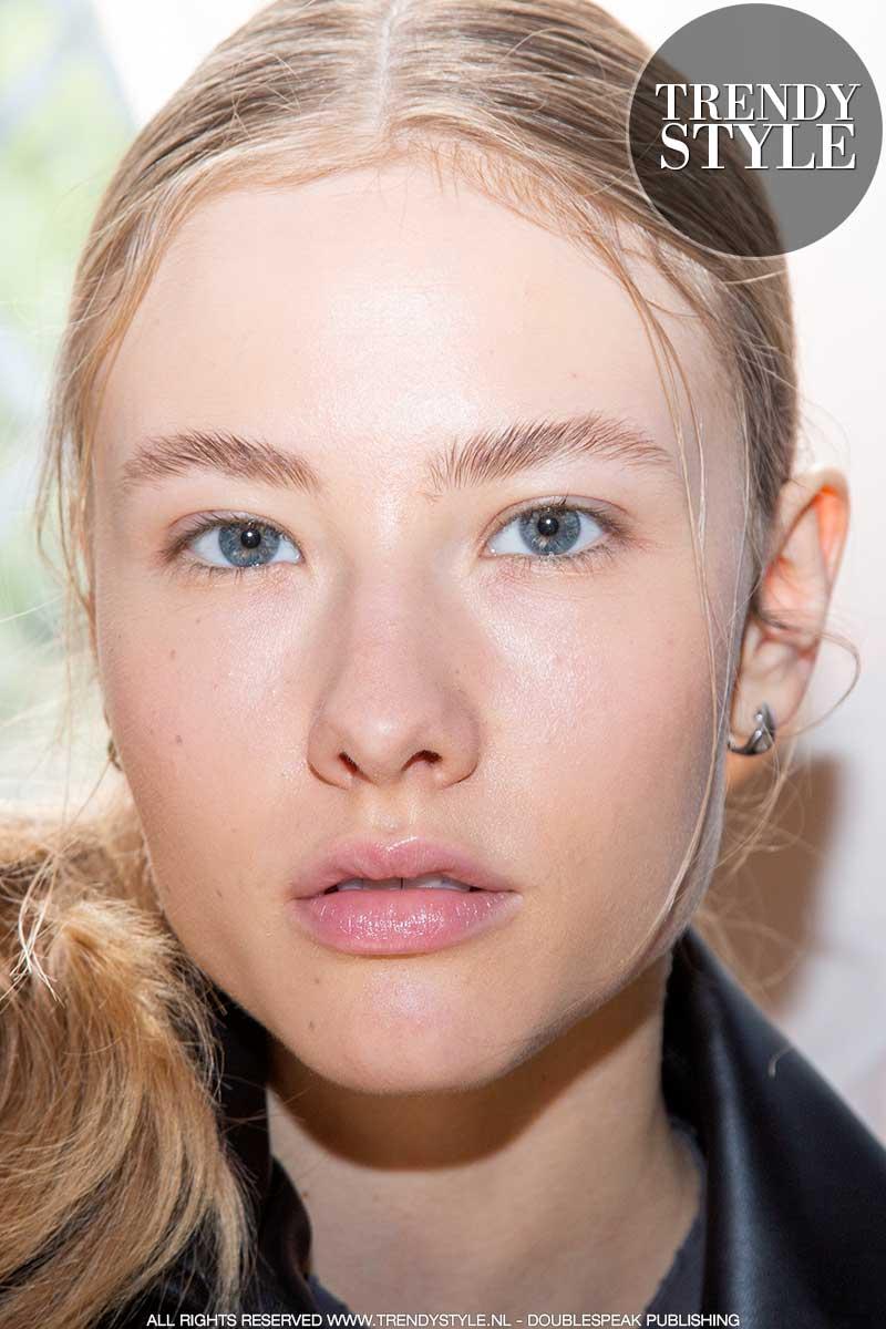 Make-up trends herfst winter 2020 2021. 7 Wenkbrauwtips