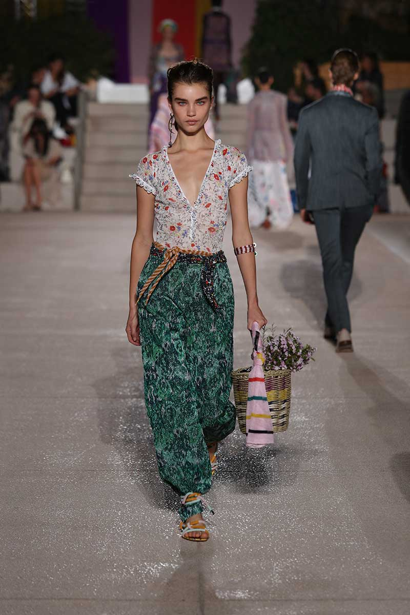 Modetrends zomer 2020. Stralend de zomer tegemoet in mix-and-match looks